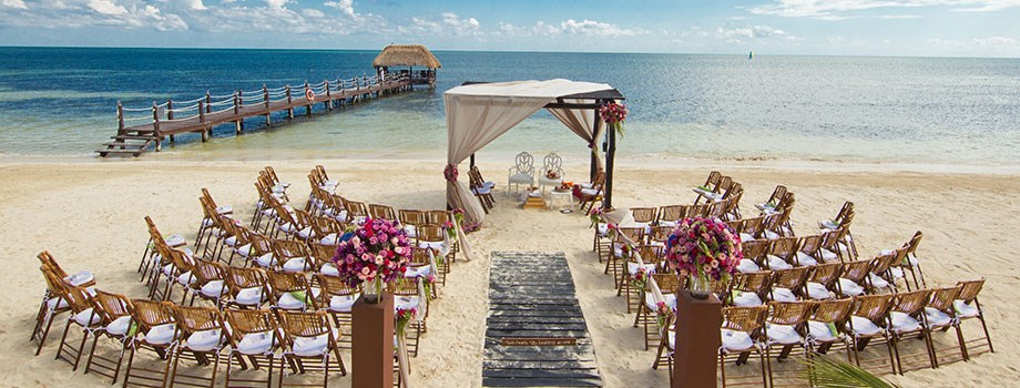Plan a luxurious destination wedding and honeymoon luxurious plan a luxurious destination wedding and honeymoon luxurious destination weddings junglespirit Images